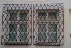 Pevné okenní mříže na míru